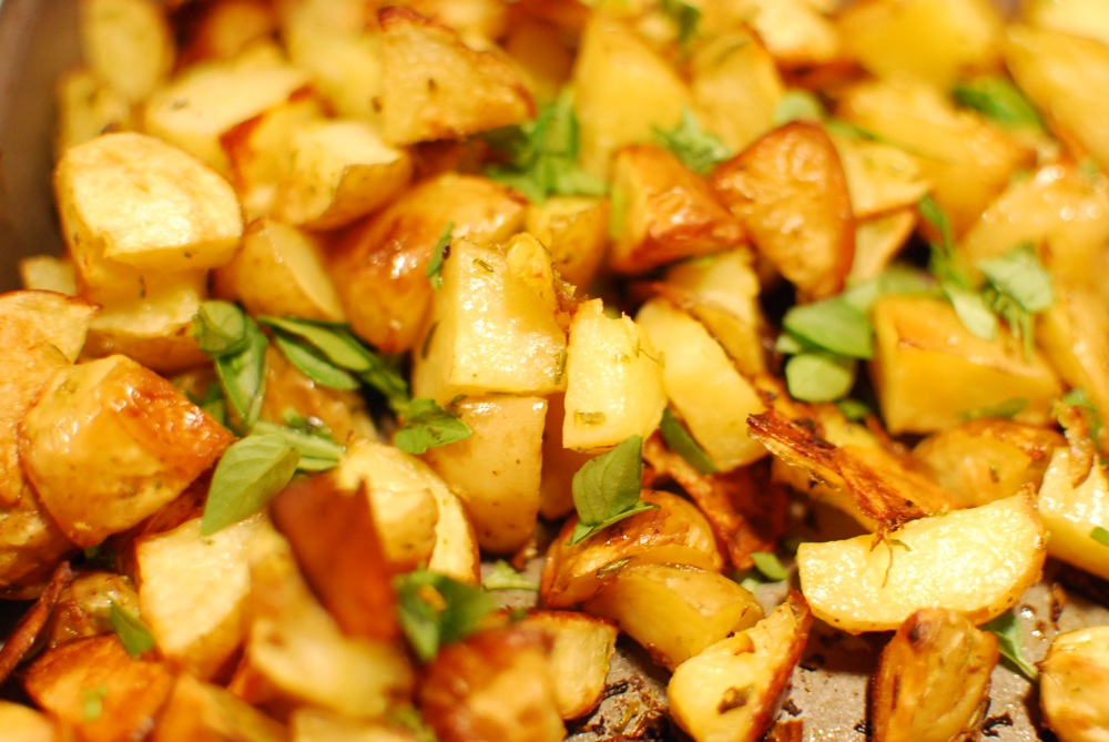 Roasted potatoes with basil and lemon